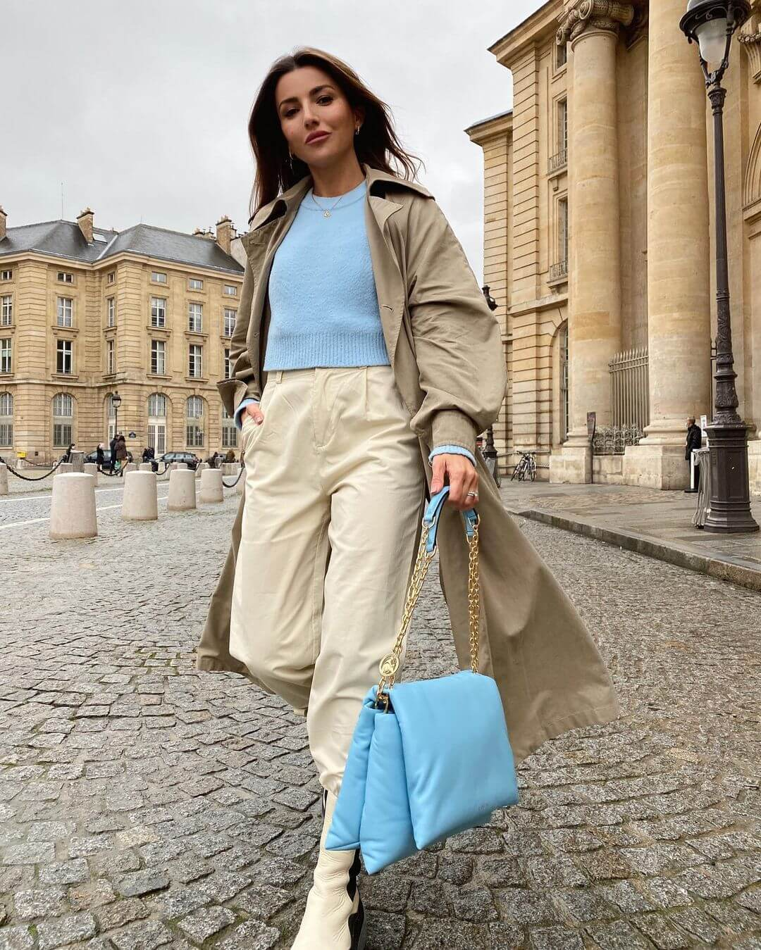 This Trench Coat & Pastel Combo Is A No-Brainer