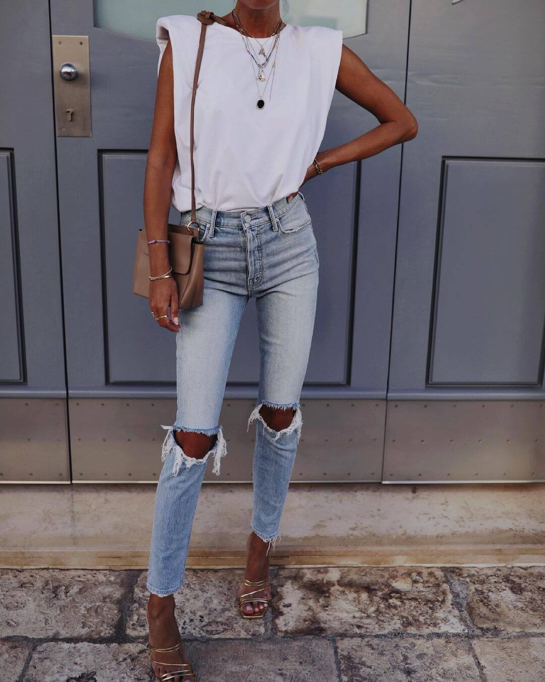 10 Ways to Tuck in Your Shirt Like A Fashion Girl