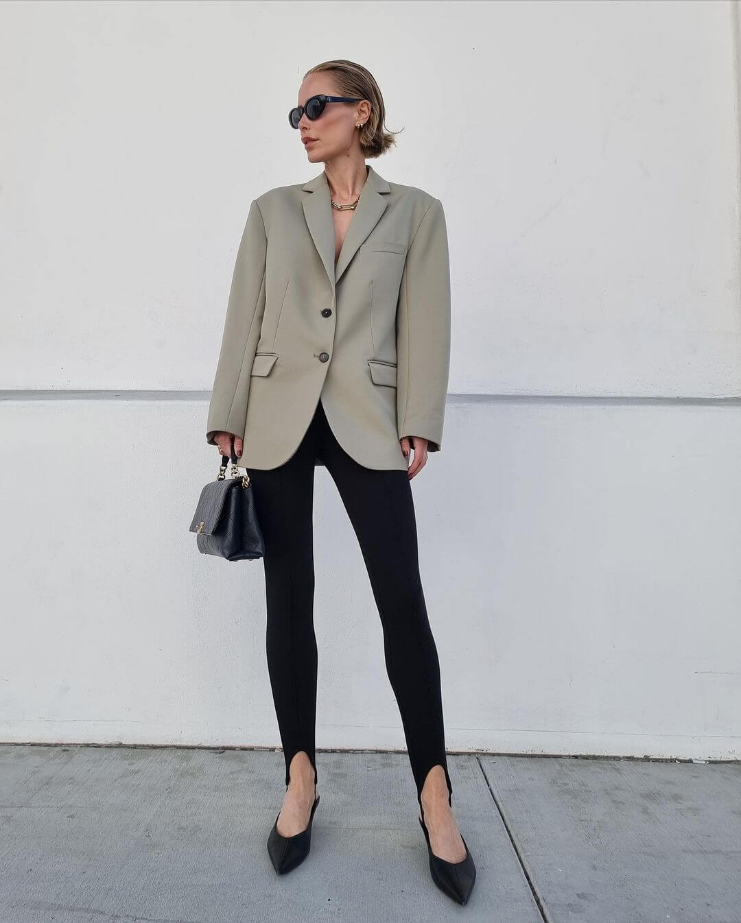 This Outfit Makes A Strong Case For Stirrup Leggings