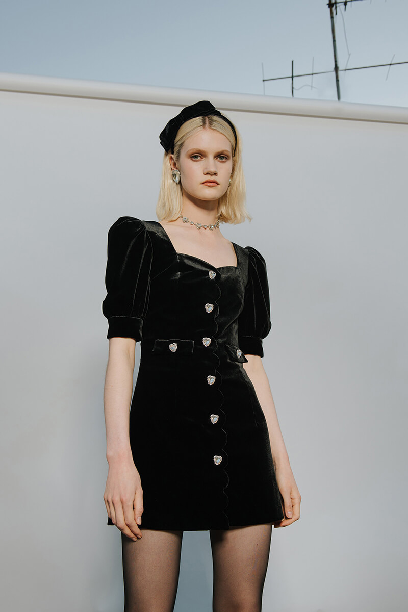 Overtly Feminine Design With a Sophisticated Feel From Alessandra Rich