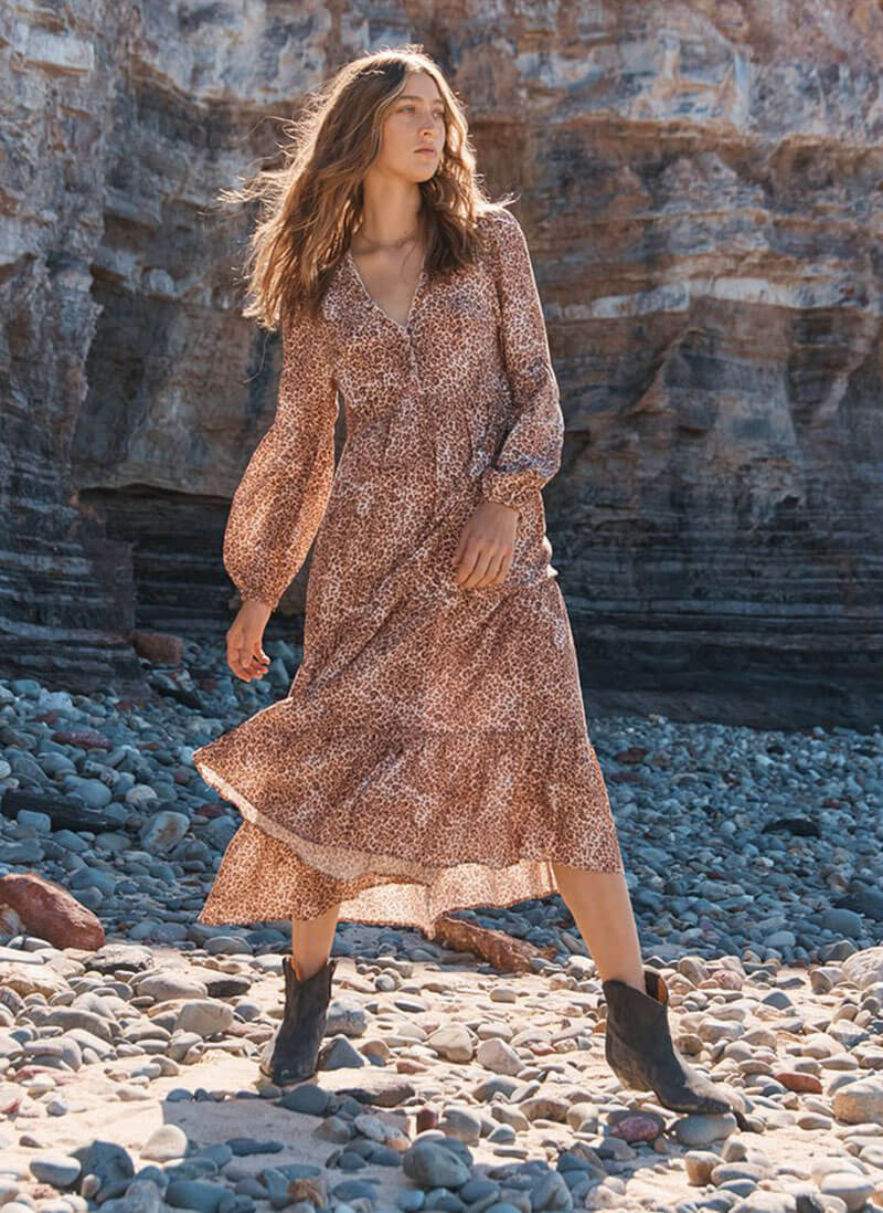 The Ultimate Destination For Feminine Wardrobe Staples You Can't Resist