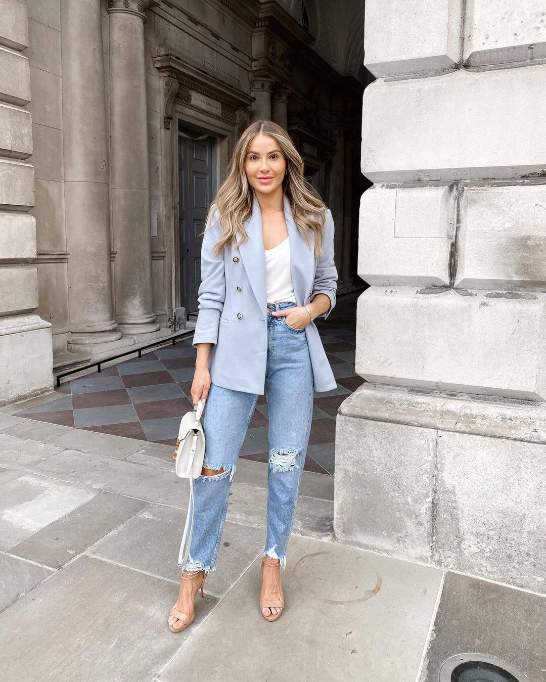 Here's A Fresh Idea For Wearing A Blazer This Fall