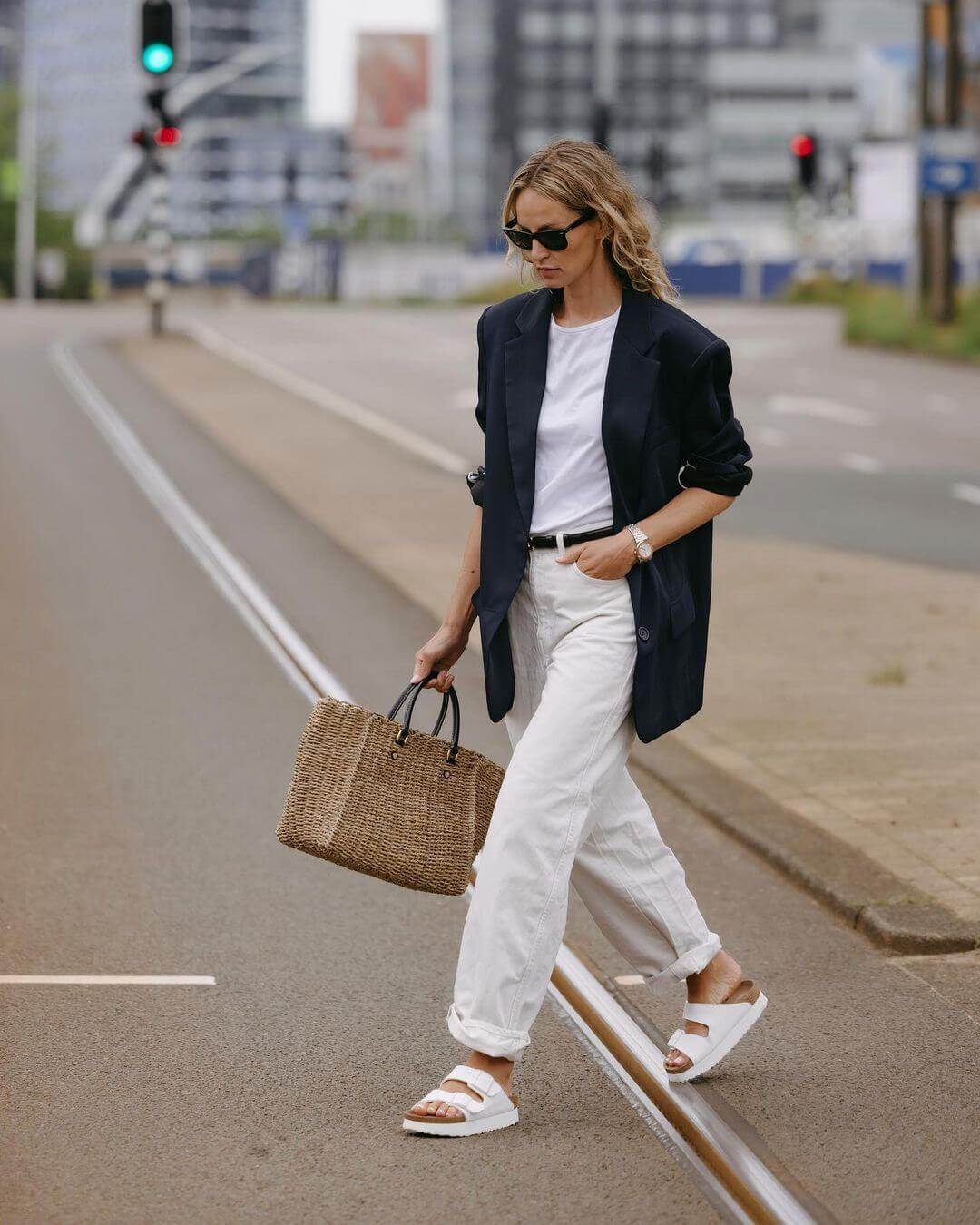 10 Refreshing Ways To Wear White Jeans After Labor Day