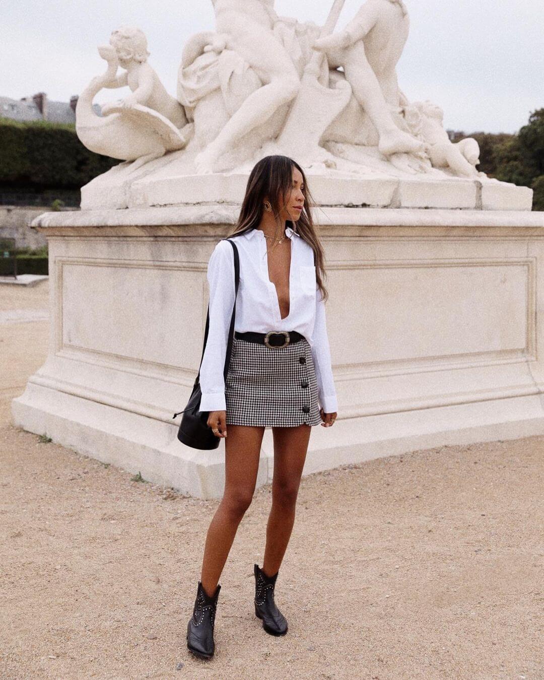 An Effortlessly Stylish Way To Wear A Plaid Mini Skirt