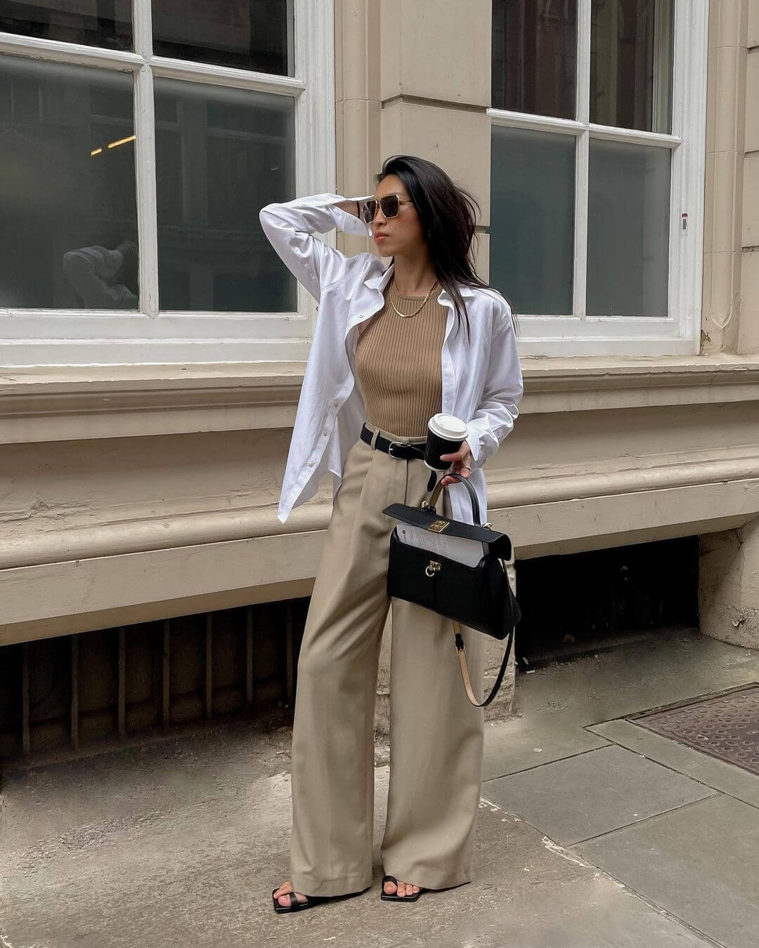 Here's The Outfit That Fashion Girls Just Can't Quit